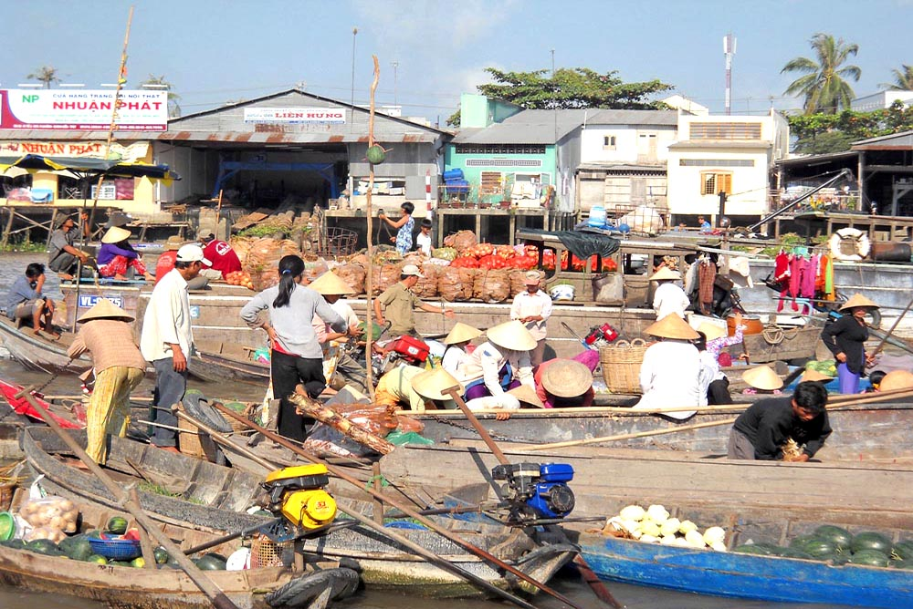 Cai Rang, The biggiest floating market in the world