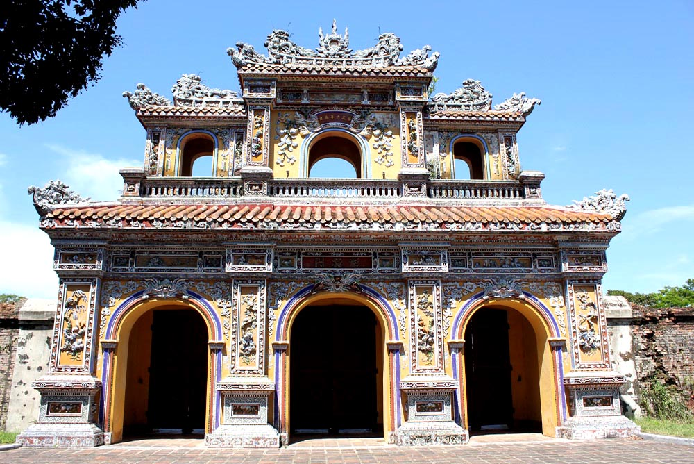 Hue - Chuong Duc (Imperial Gate for all Lady)