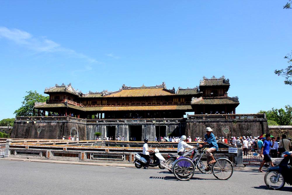 Hue - Ngo Mon Gate (South Gate)