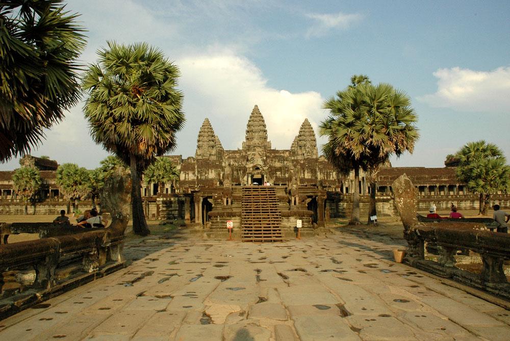 Path leading to main Angkor Wat