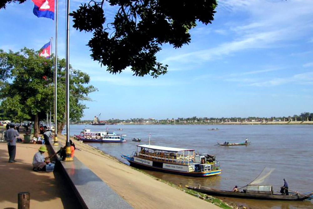Cambodia - tonle sap river view